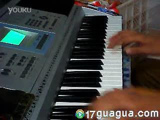 美女三排健键电子琴演奏《天路》