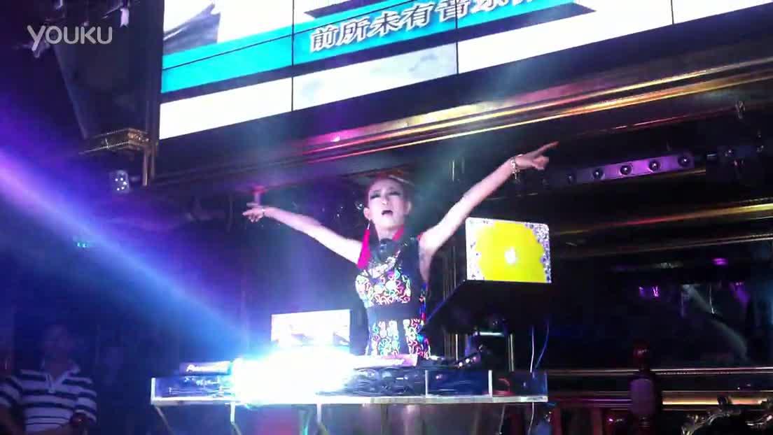 延吉酒吧女dj打碟现场视频