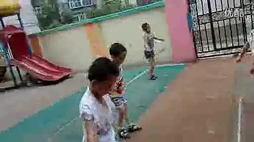 幼儿园中班体育教案活动《有趣的小布袋》