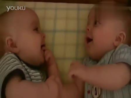搞笑的婴儿笑的很开心可爱萌宝宝2013最新最搞笑视频 标清-搞笑 视频