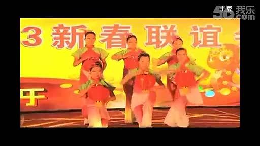潮舞中学生舞蹈图片