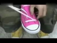视频: 鞋带的系法图解 帆布鞋鞋带的穿法 一字平行系法-.图片