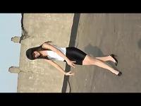 视频: 黑色紧身裤健美裤踩脚裤美女模特2