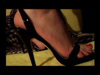 女友高跟凉鞋自拍