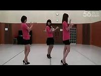 红衣美女高跟跳舞