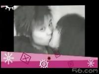 同性美女接吻大曝光 游戏视频