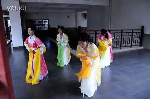 燕呢喃 汉服发型之曲裾 襦裙发型一 明制祭祀服简化议程与 襦裙礼仪图片