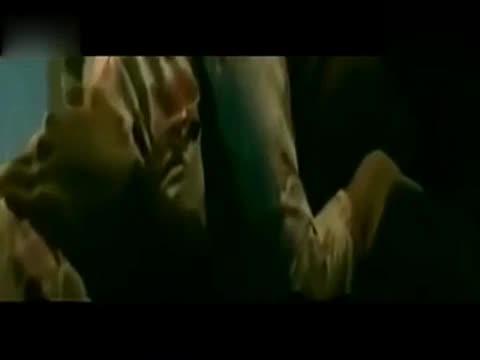 吻戏床片段大全美女上演微电影最强床戏吻 游戏视频