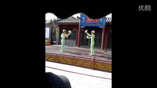 双胞胎杂技视频 杂技表演完整