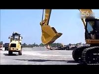 卡特彼勒375L大型挖掘机表演视频__-游戏视频