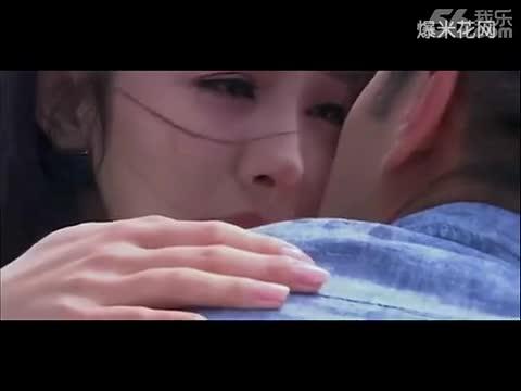 【吻戏床片段大全】《倾世皇妃》杨幂激情吻戏床戏