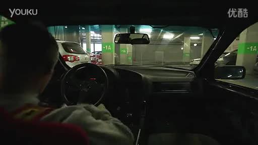 视频 牛人神漂移出车库!土豪都是这么开车的吗-人神图片