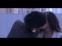《盛夏晚晴天》杨幂遭前度激情强吻 吻戏 做爱