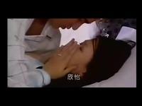 接吻的视频 陈乔恩激情吻戏床戏片段-游戏视频